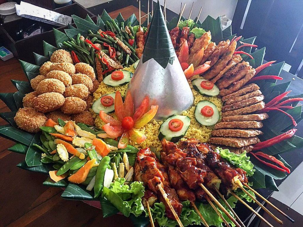 Bali Food Guide - 12 Best and Famous Local Food in Bali. warung disini