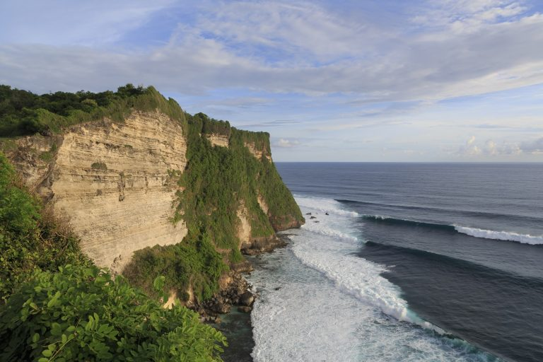 3 Days 2 Nights Bali Package at 4-star Hotels. Tour to Uluwatu, Lake Bratan & Tanah Lot