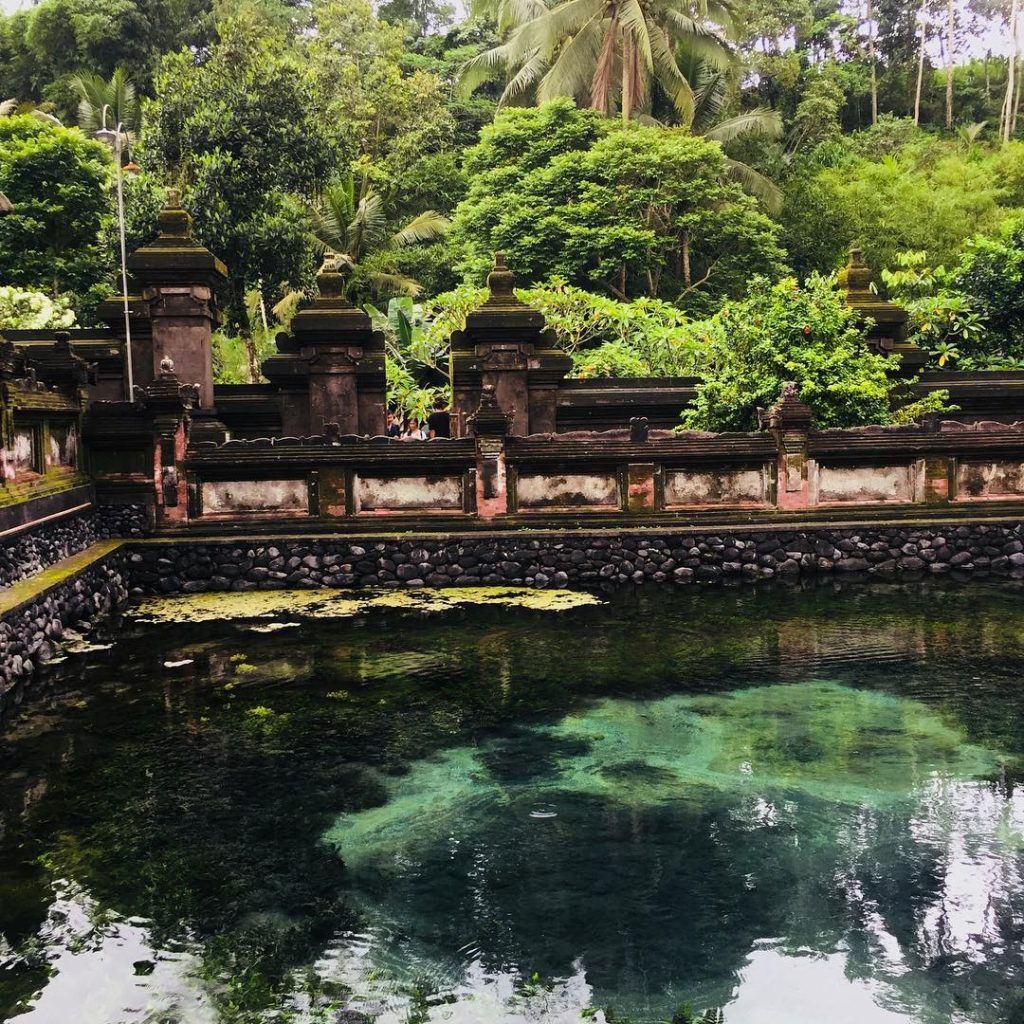 Tampaksiring Tirta Empul Entrance Fee. Holy Spring Temple Dress Code - Tampak Siring