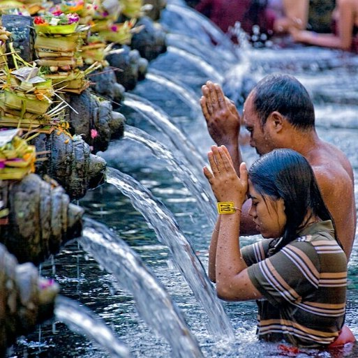 Tampaksiring Tirta Empul Entrance Fee. Holy Spring Temple Dress Code - Tampak Siring 2