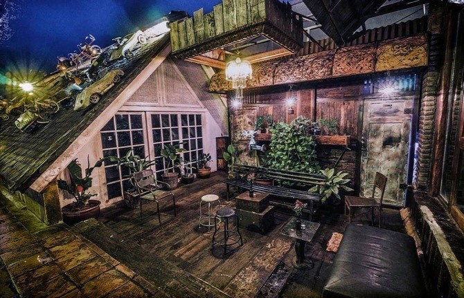 Top 12 things to do in Seminyak - Check out the nightlife at La Favela