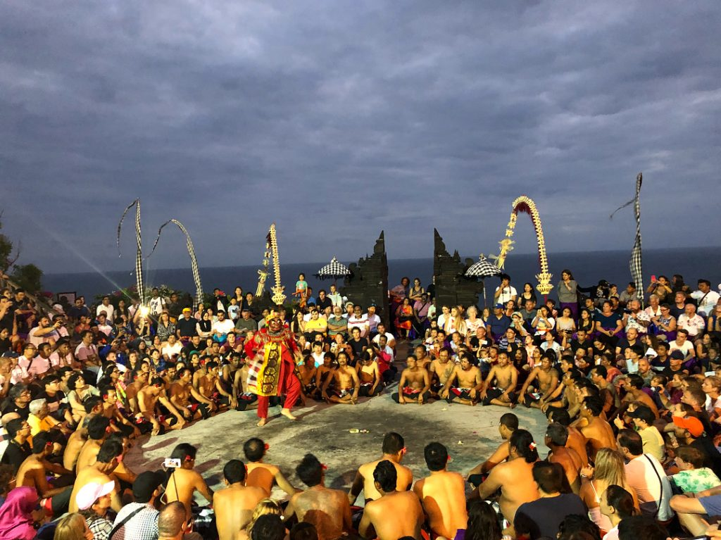 Uluwatu Sunset Tour. Uluwatu Tour Package. Kecak & Fire Dance.