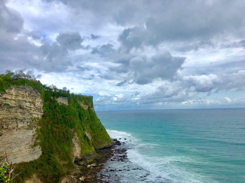 Uluwatu Sunset Tour. Uluwatu Tour Package. Uluwatu Temple Bali