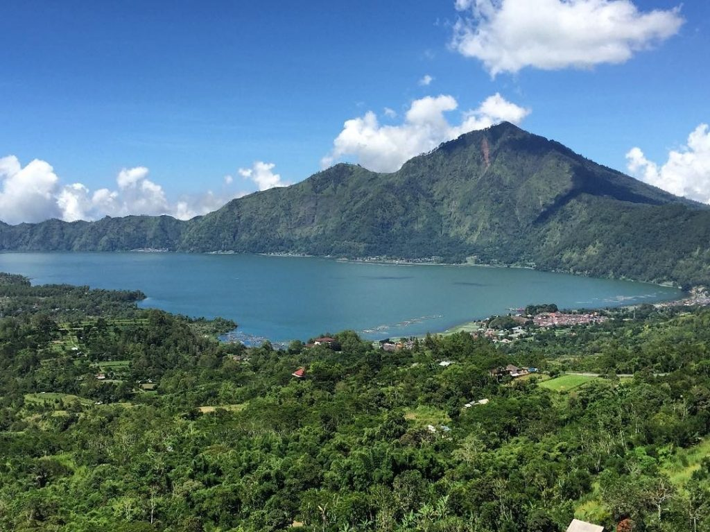 What to do in Kintamani. How to go from Ubud to Kintamani. Volcano Tour - lake batur